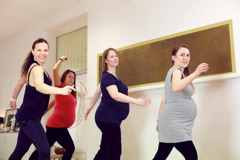 Schwangere Frauen trainieren PreKanga in OHZ